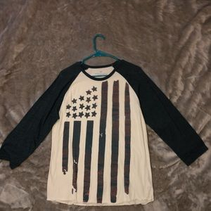 American Eagle American Flag 3quarter sleeve shirt